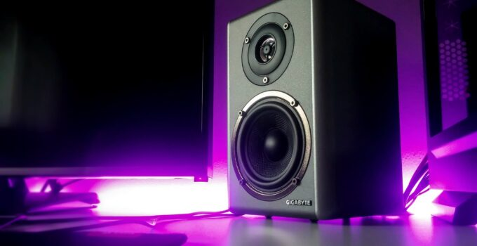 3 Tips For Picking The Right Speakers For Your Room Size